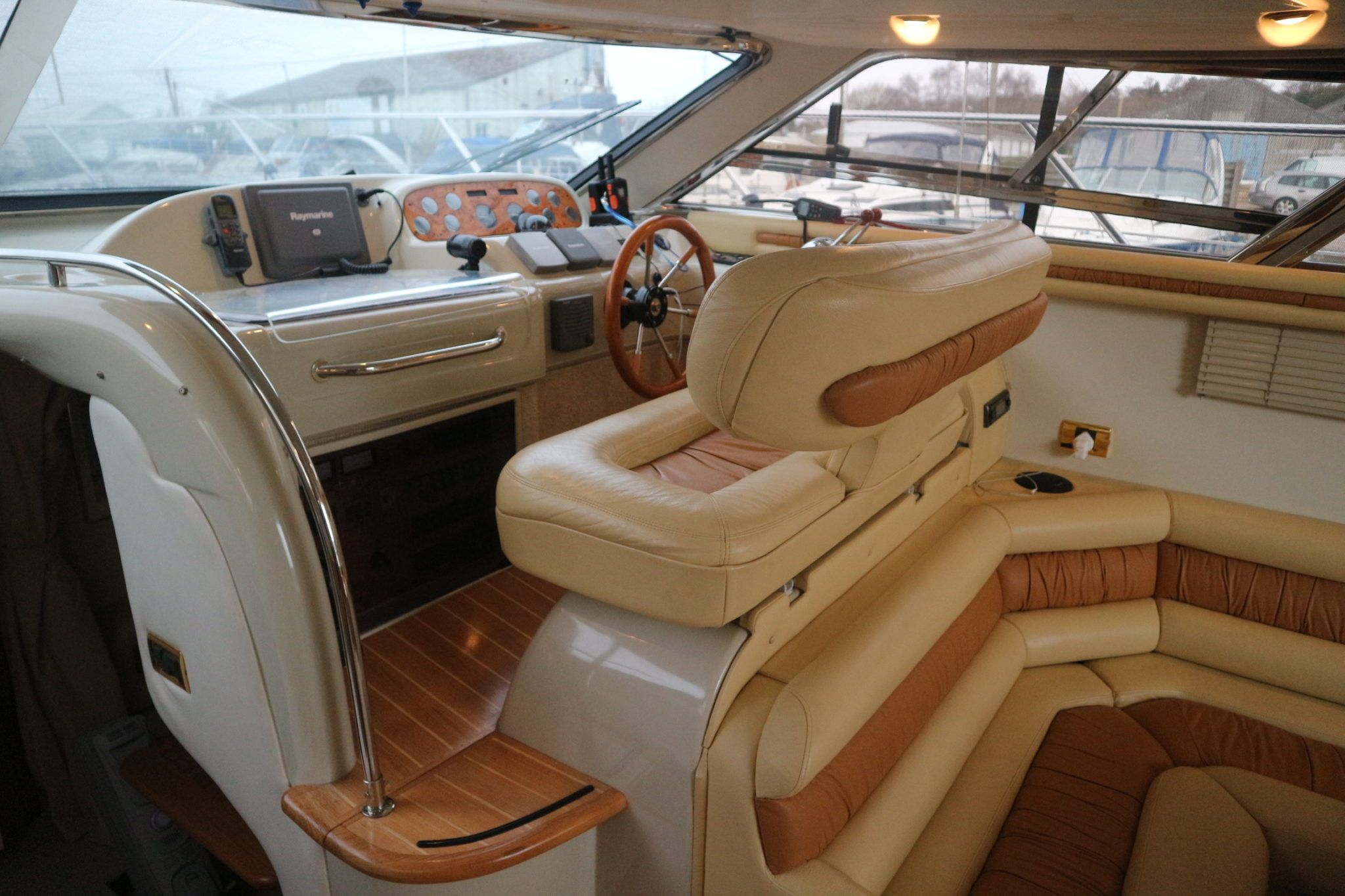 Interior helm to starboard