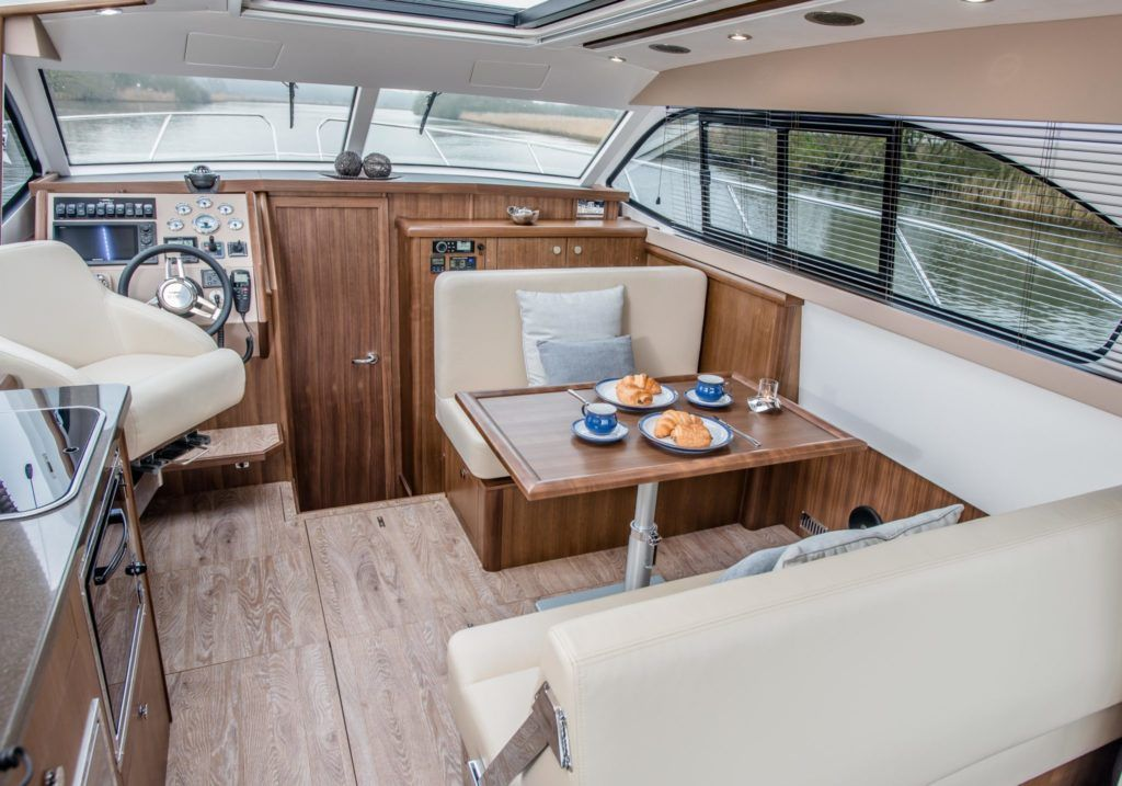 New Haines 32 Offshore For Sale Image 5