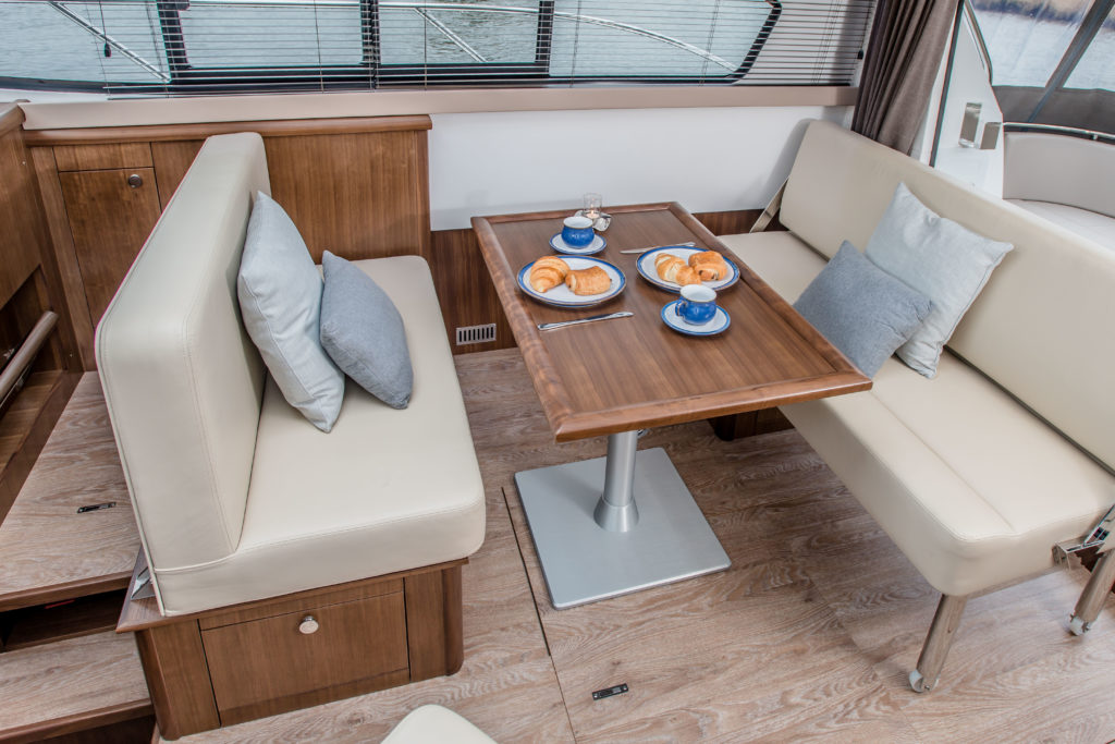 New Haines 32 Offshore For Sale Image 6