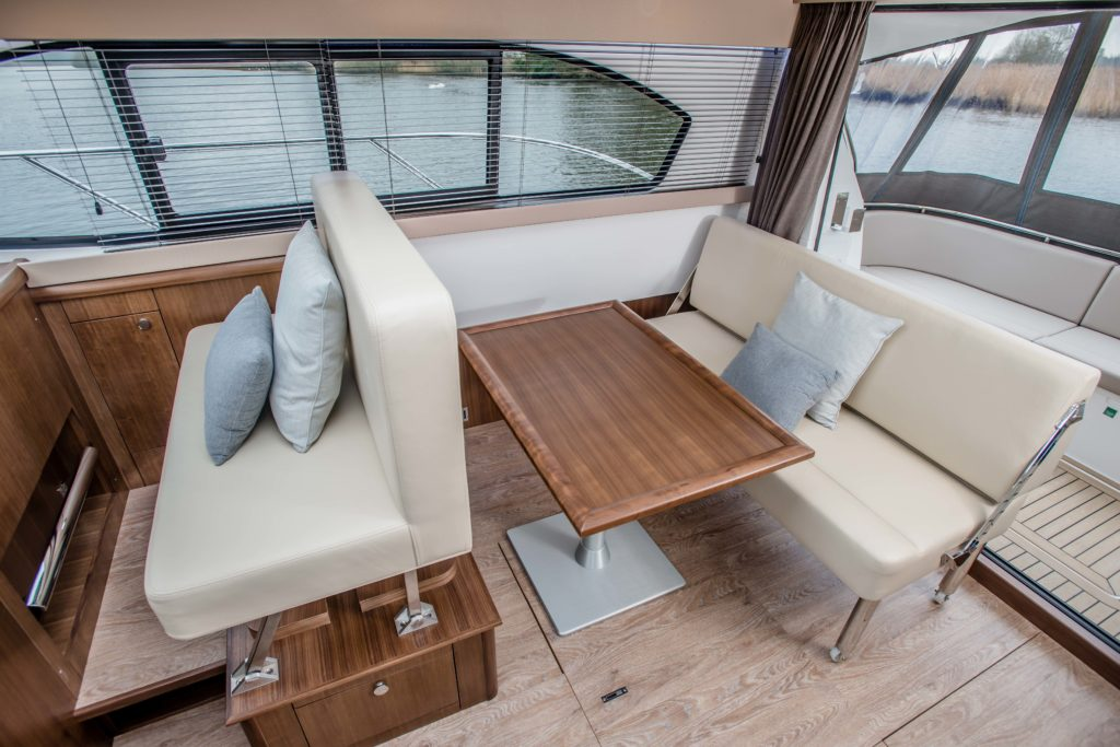 New Haines 32 Offshore For Sale Image 7