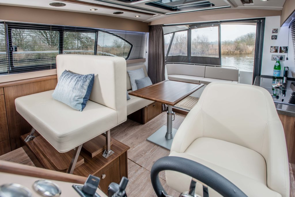 New Haines 32 Offshore For Sale Image 9