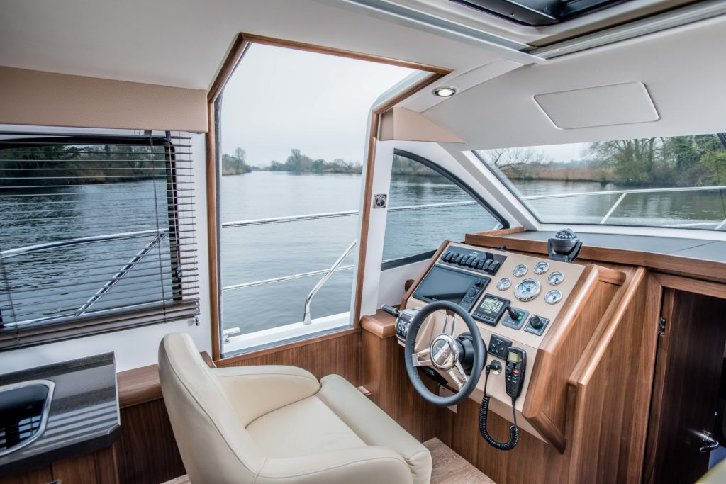 New Haines 32 Offshore For Sale Image 18