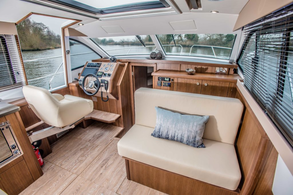 New Haines 32 Offshore For Sale Image 21