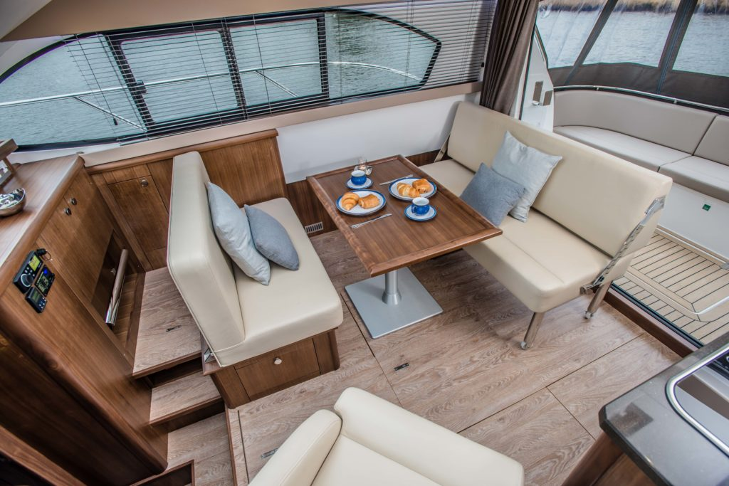 New Haines 32 Offshore For Sale Image 2
