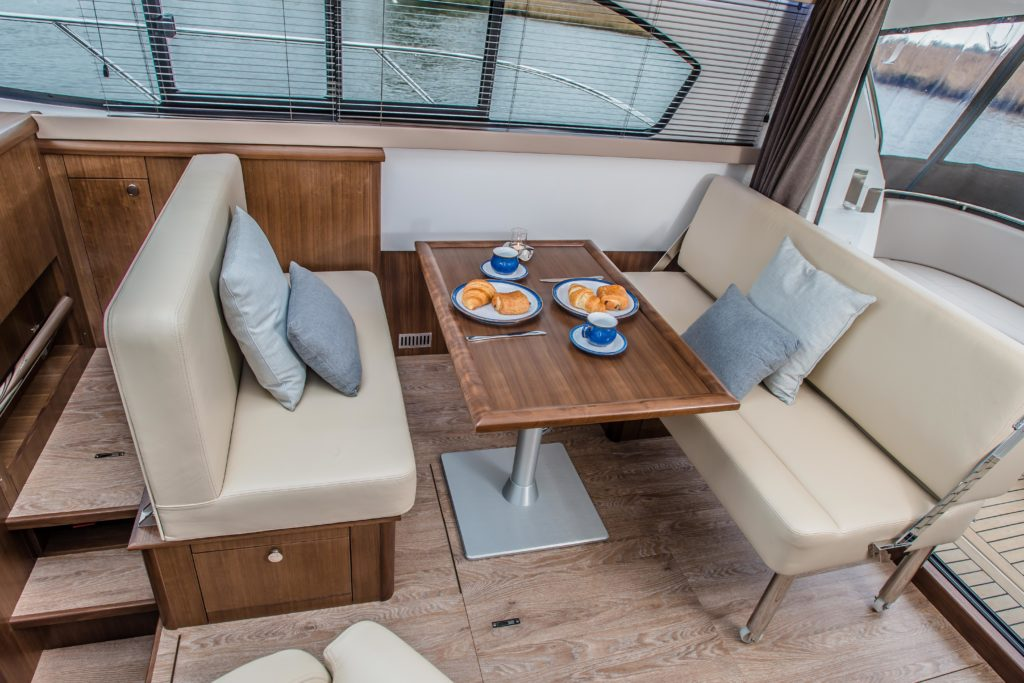 New Haines 32 Offshore For Sale Image 25
