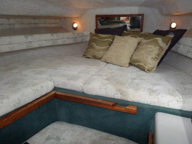 Sea Ray Sundancer 270 DA For Sale   Norfolk Yacht Agency