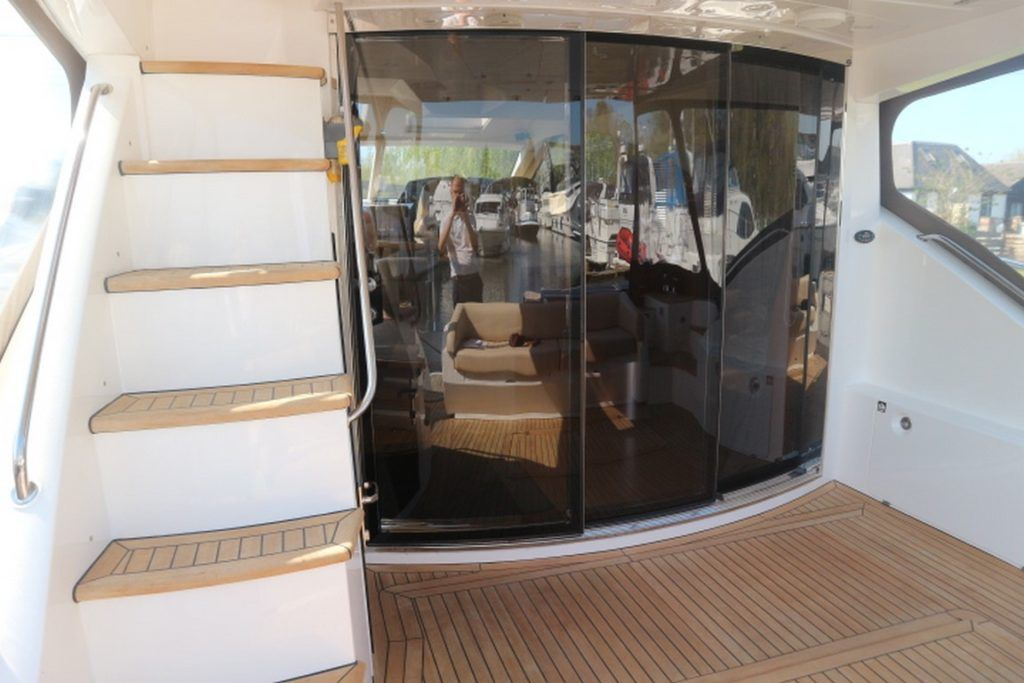 Sealine T50 For Sale Image 17