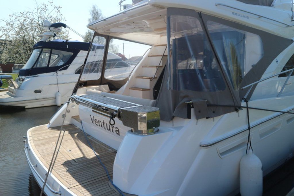 Sealine T50 For Sale Image 21