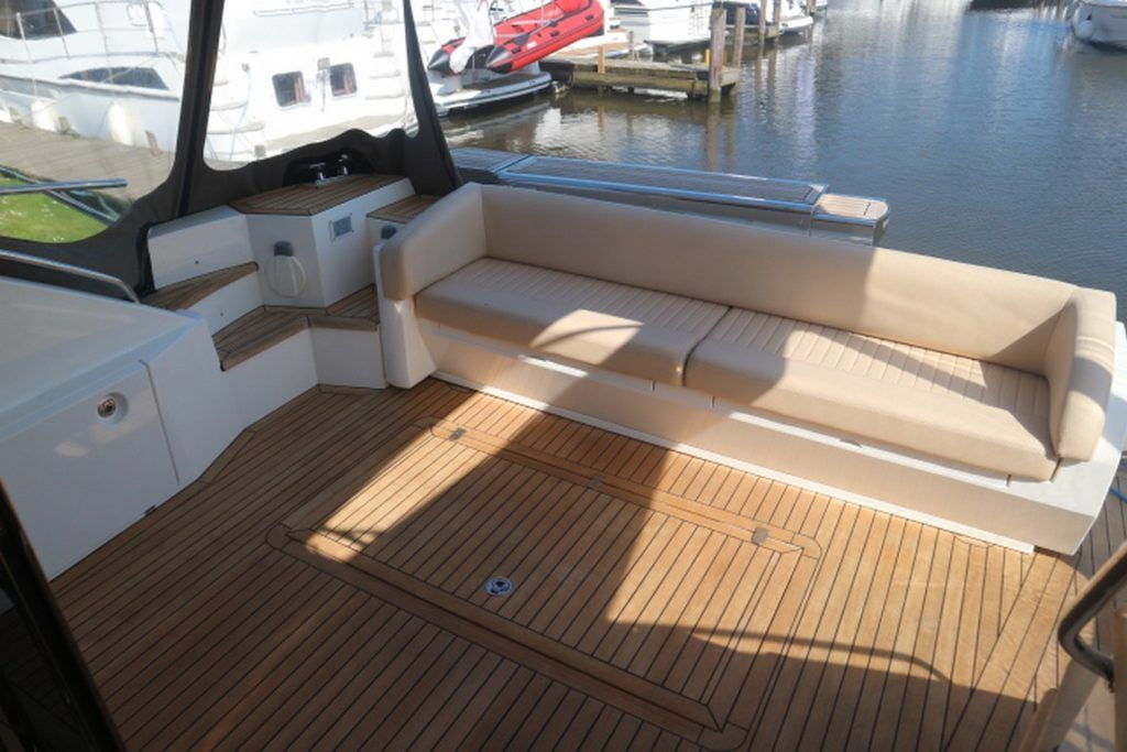 Sealine T50 For Sale Image 18