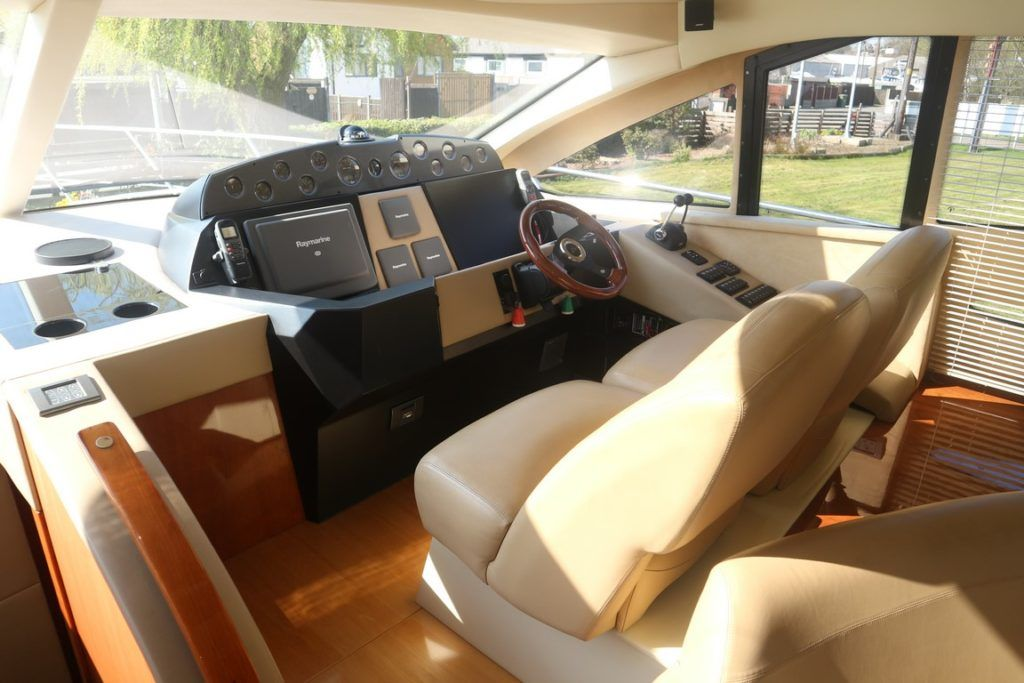 Sealine T50 For Sale Image 9