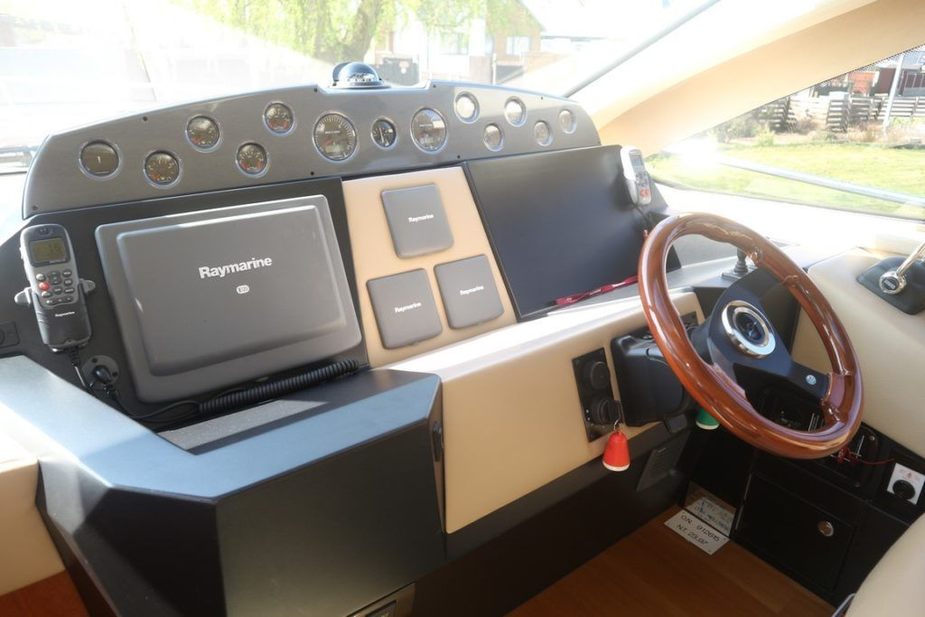 Sealine T50 For Sale Image 26