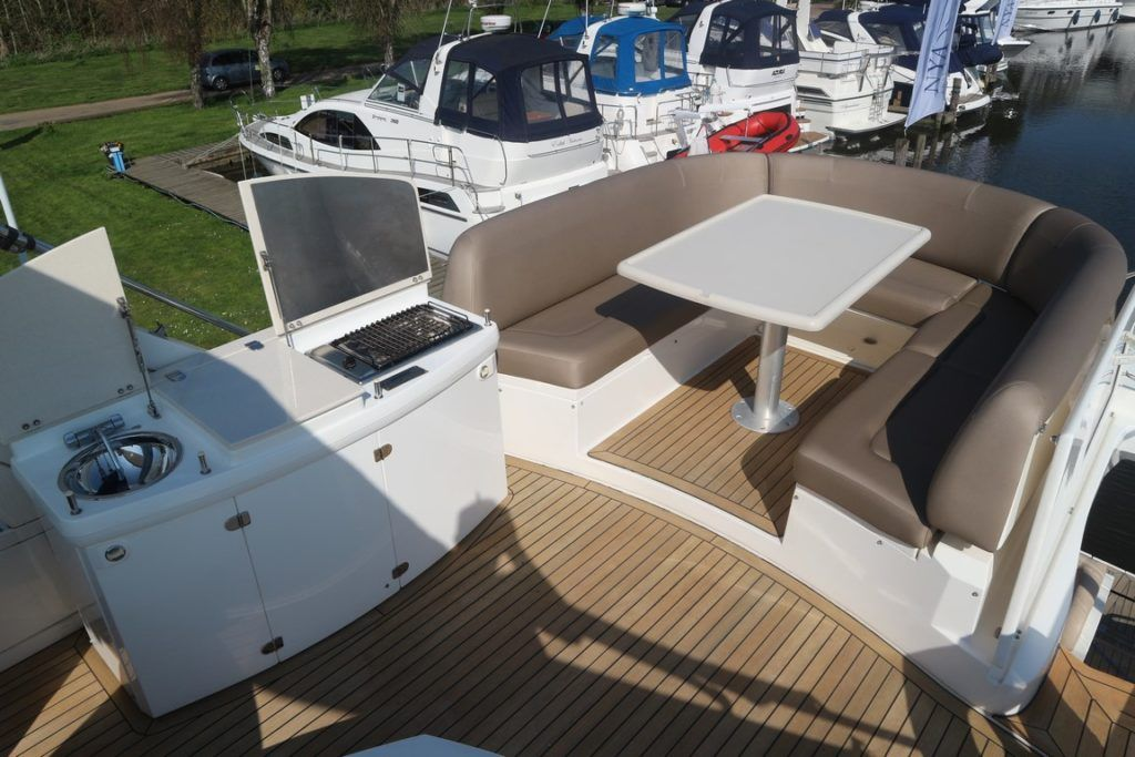 Sealine T50 For Sale Image 16