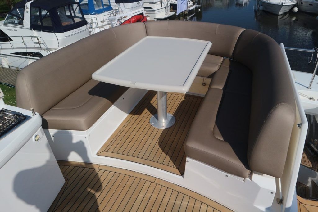Sealine T50 For Sale Image 33