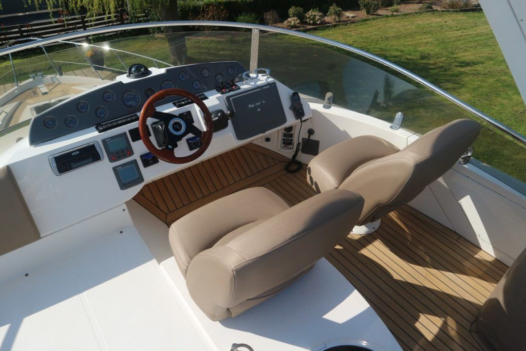 Sealine T50 For Sale Image 15