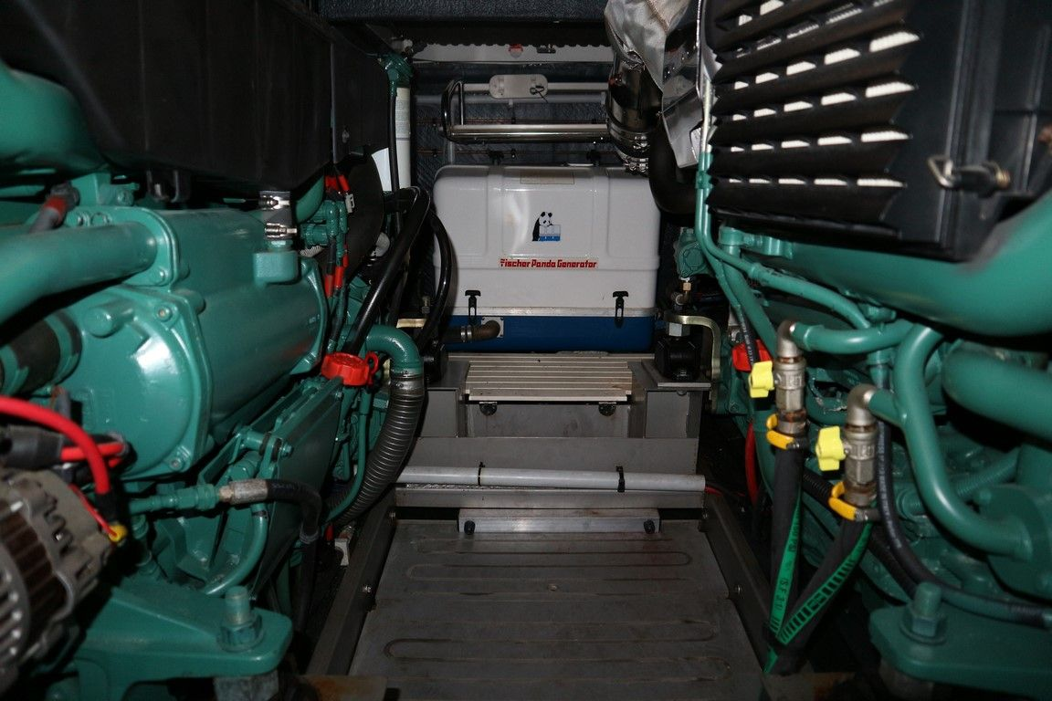 Twin Volvo D9 and generator