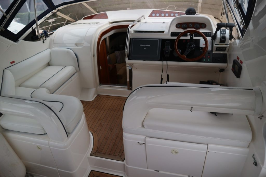 Fairline Phantom 43AC For Sale Image 2