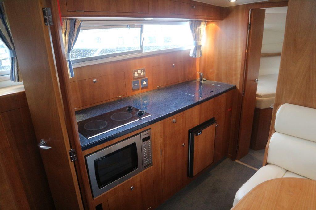 Sheerline 950 Aft Cockpit For Sale Image 5