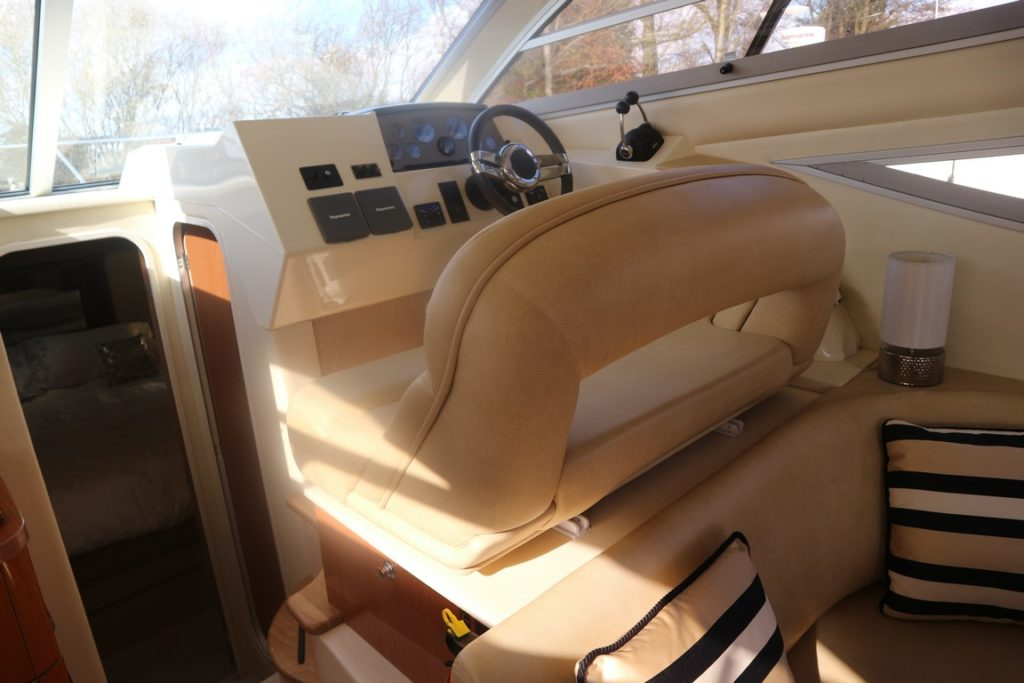 Sealine F34 For Sale Image 14