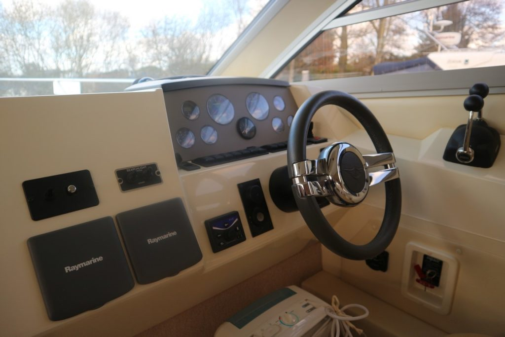 Sealine F34 For Sale Image 25