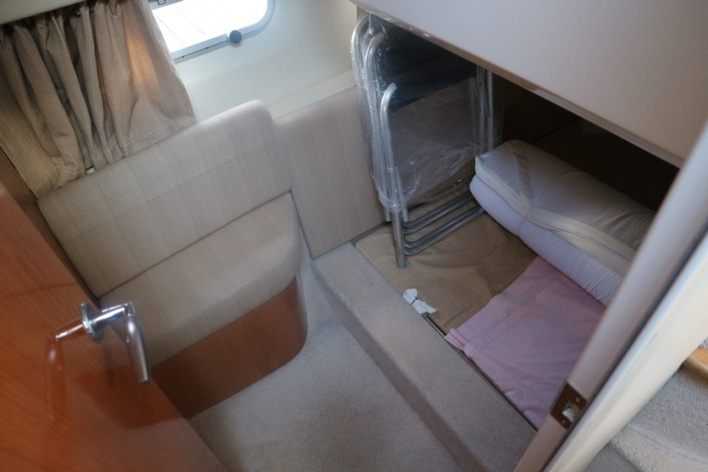 Sealine F34 For Sale Image 11