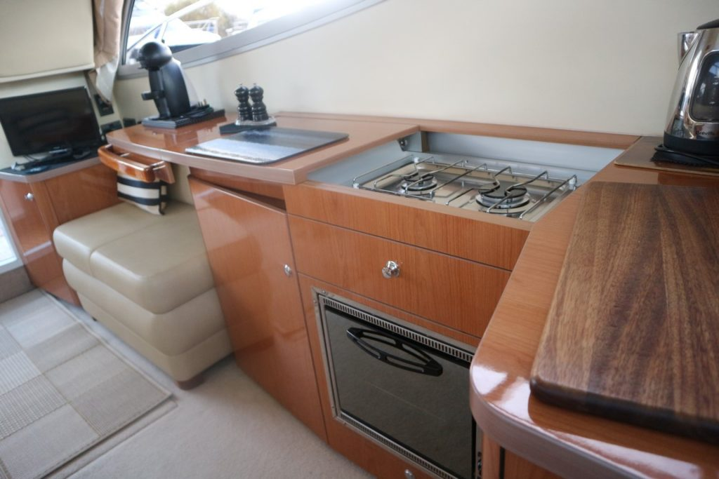 Sealine F34 For Sale Image 12