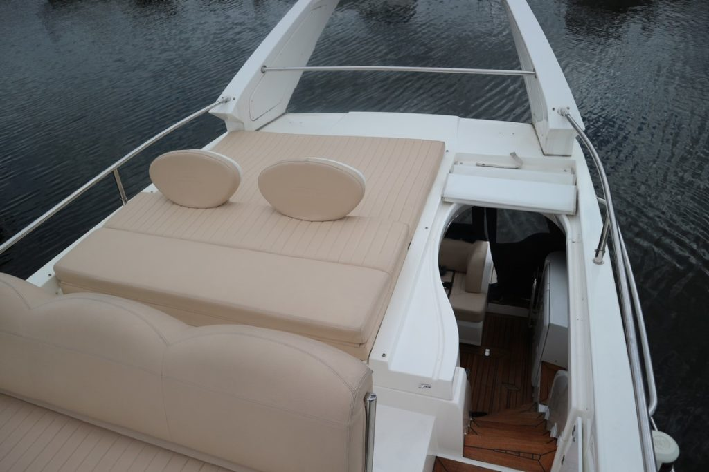Sealine F34 For Sale Image 18