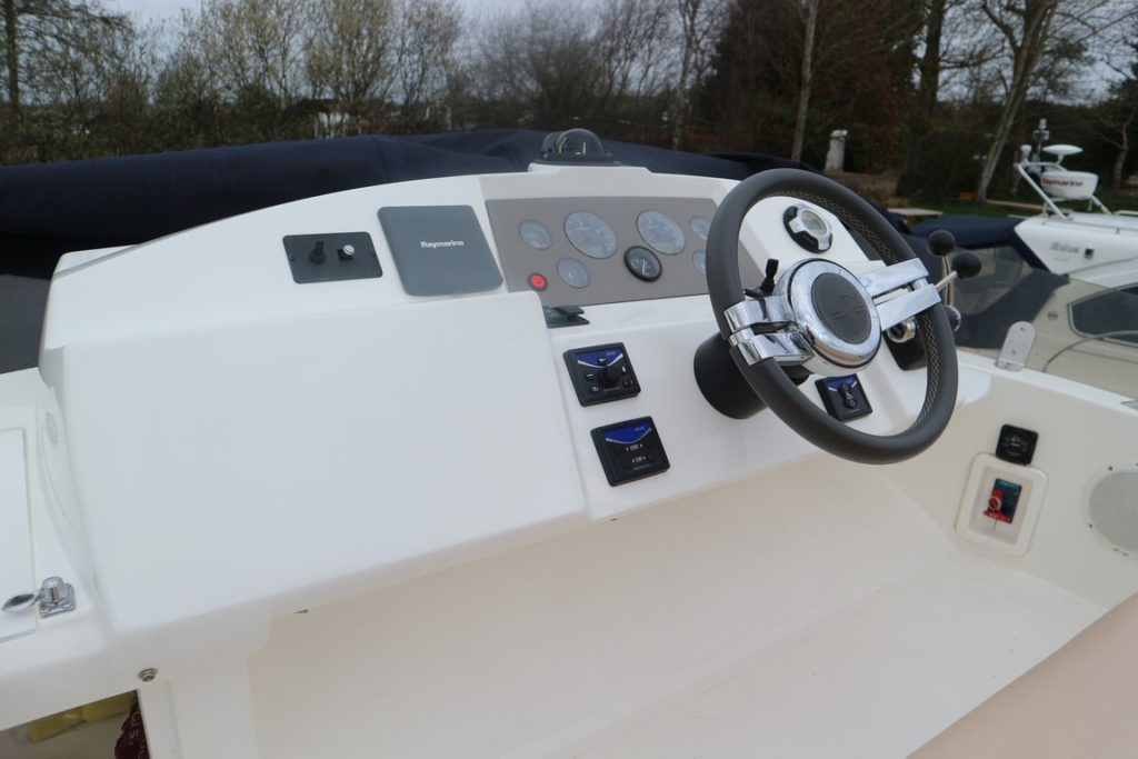 Sealine F34 For Sale Image 21