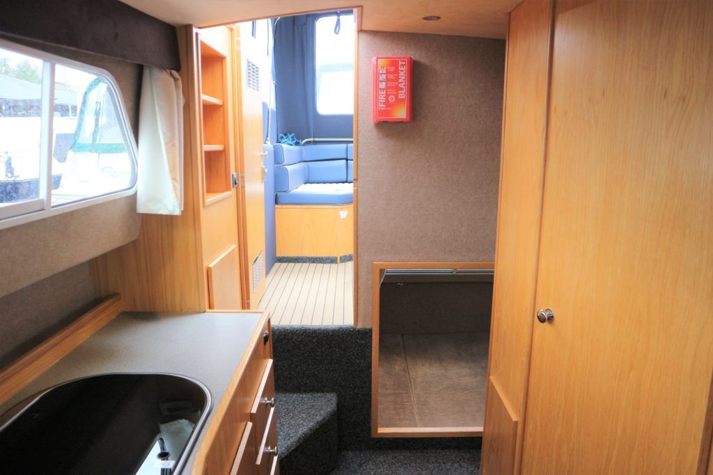 Viking 255 Wide Beam For Sale Image 9