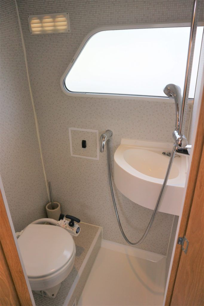 Viking 255 Wide Beam For Sale Image 15