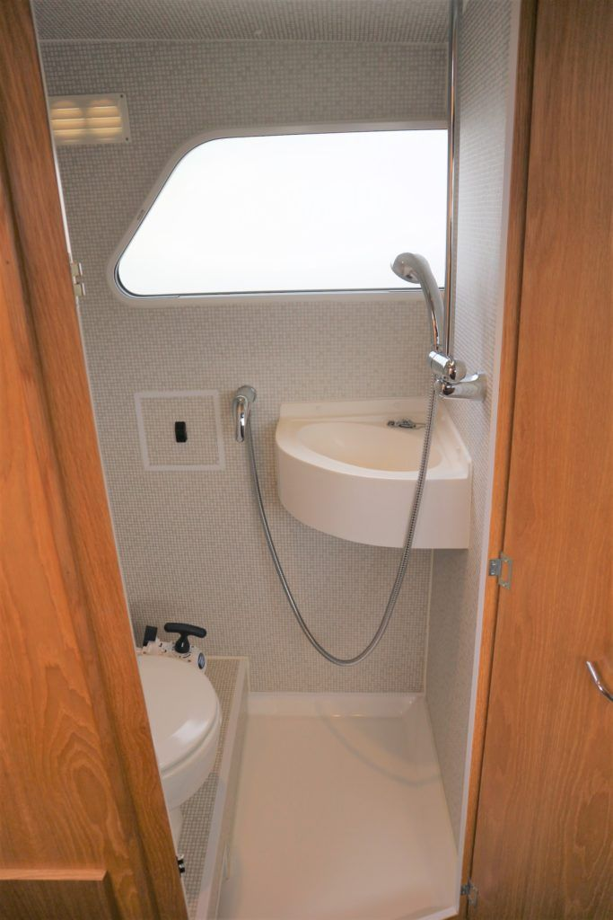 Viking 255 Wide Beam For Sale Image 16