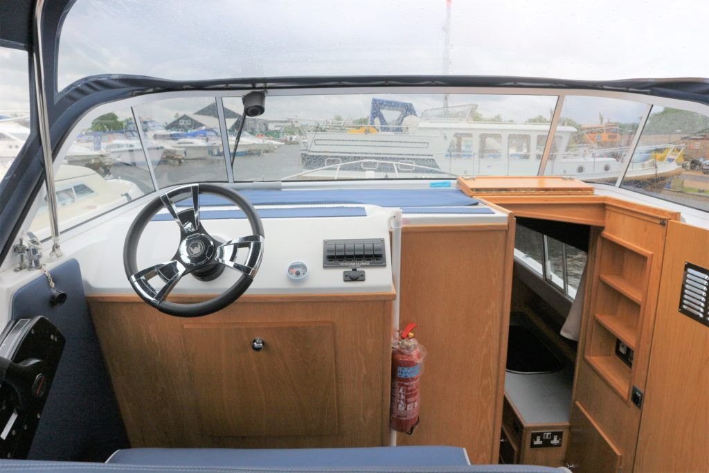 Viking 255 Wide Beam For Sale Image 17