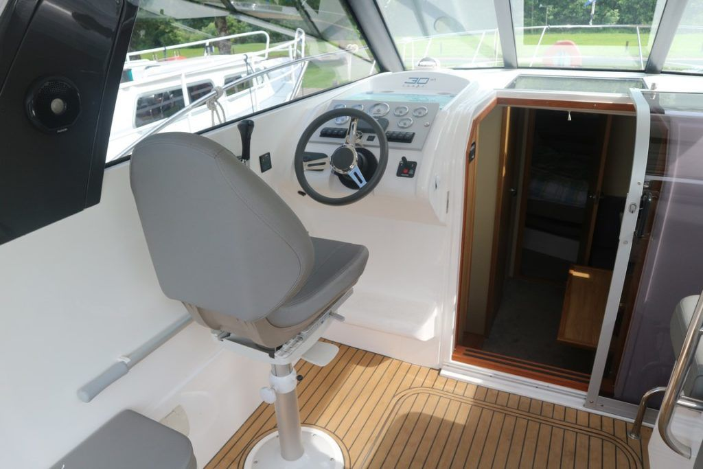 Broom 30 Coupe HT For Sale Image 3