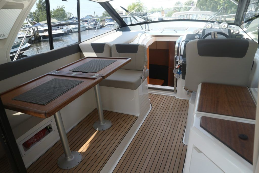 Bavaria Sport 360 Coupe For Sale Image 2