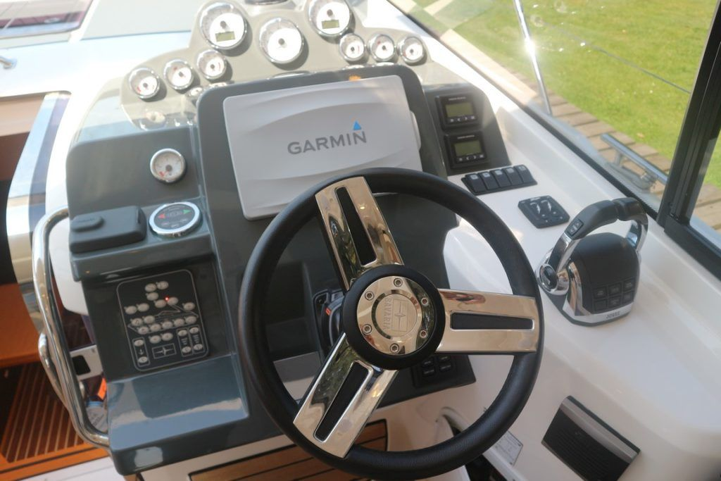 Bavaria Sport 360 Coupe For Sale Image 23