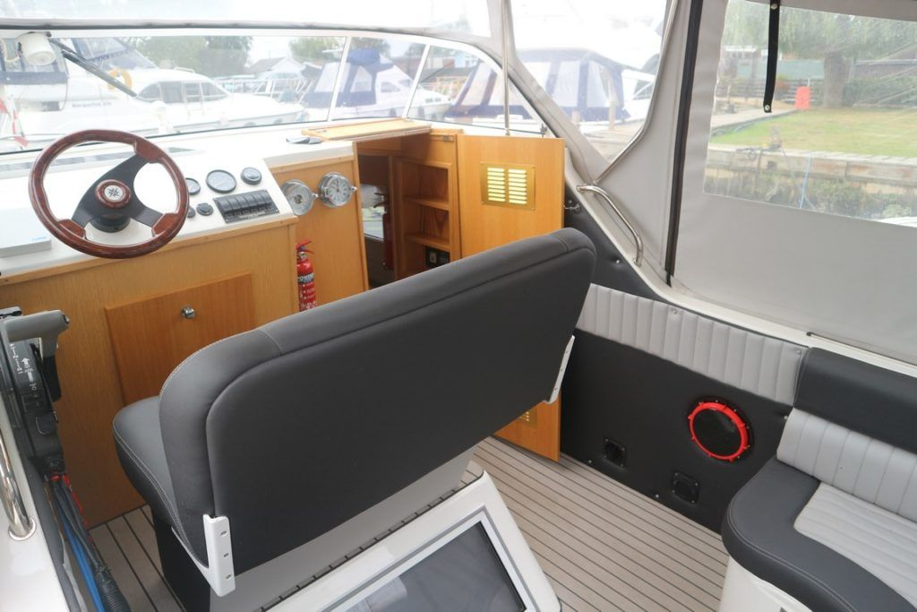 Viking 24 For Sale Image 2