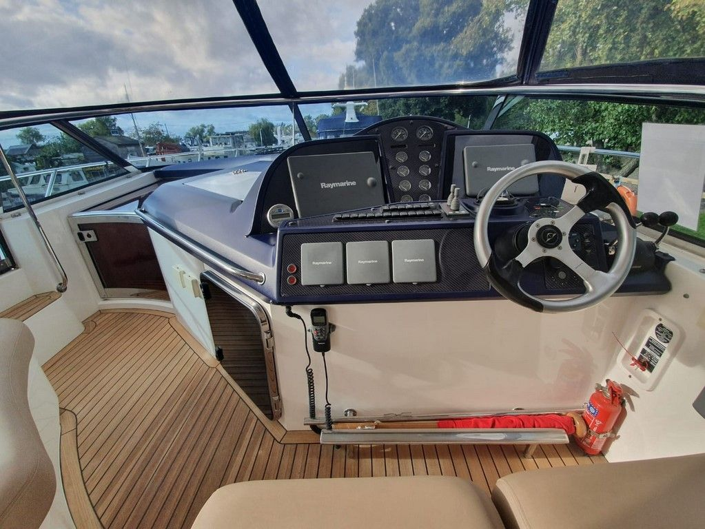 Sealine S48 For Sale Image 22