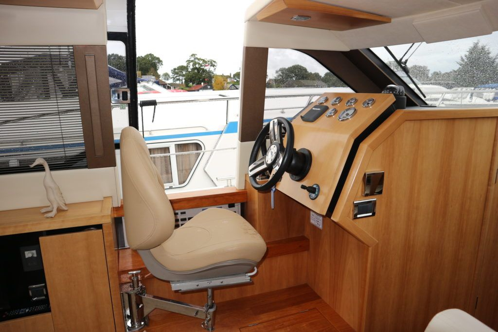 Broom 35 Coupe For Sale Image 16
