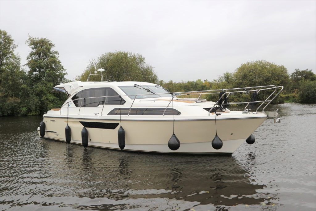 Broom 35 Coupe For Sale Image 36