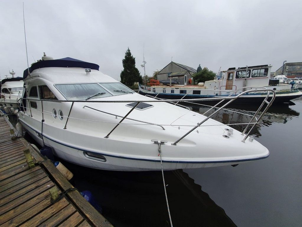 Sealine F33 For Sale Image 14