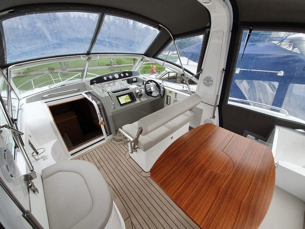 Haines 360 For Sale Image 14
