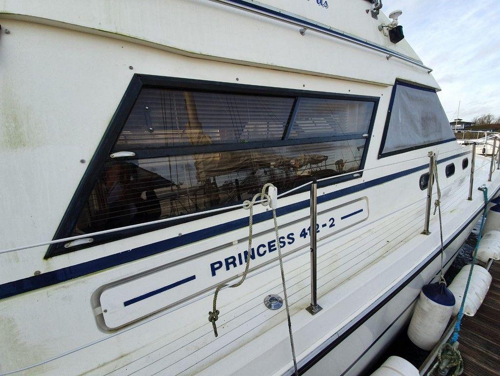 Princess 412-2 For Sale Image 19
